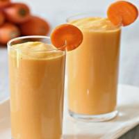 Полезный коктейль из тёртой моркови и молока