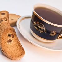 Чай с сухариками поправит желудок