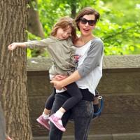 Милла Йовович со своей чудесной дочкой
